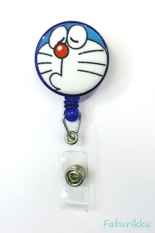 Doraemon Navy Pout Clip-On Badge Reel