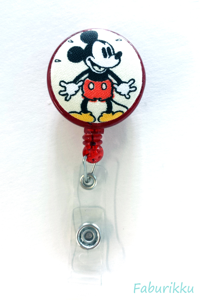 Mickey RedStand Clip-On Badge Reel