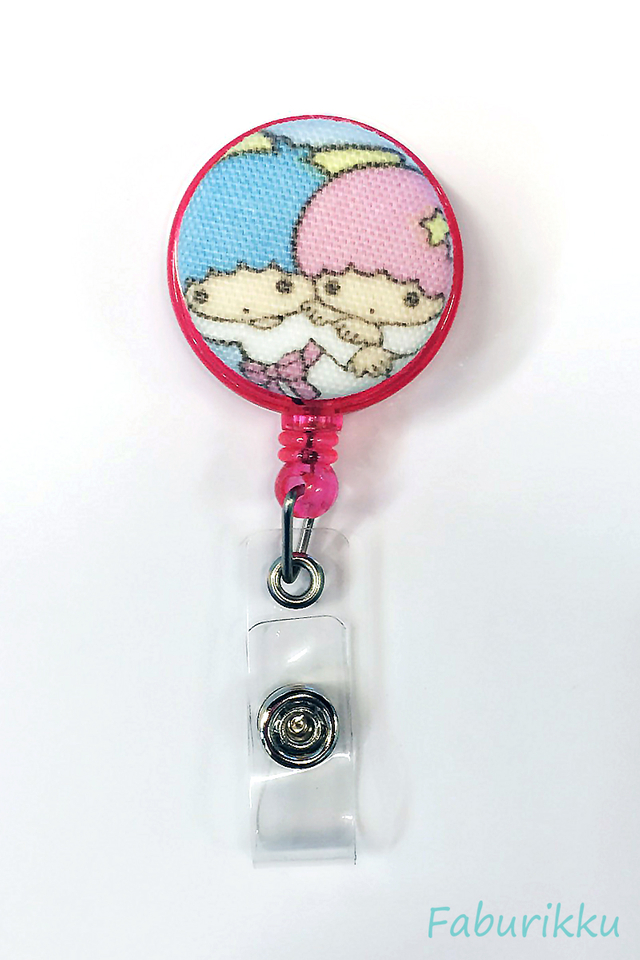 Twin Star Pink Fly Clip-On Badge Reel