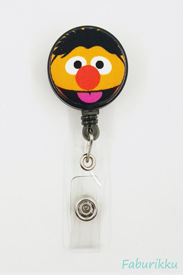 Ernie Black Clip-On Badge Reel