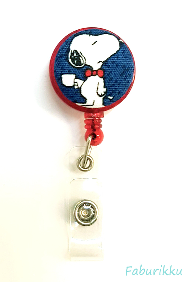 Snoopy RedTeaCup Clip-On Badge Reel