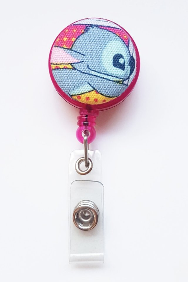 Stitch MagentaRun Clip-On Badge Reel